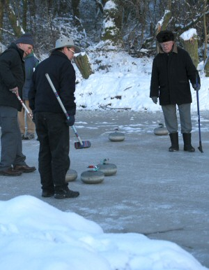Picture of curling on Drumore Curling Pond 36KB
