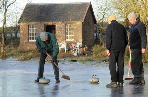 Picture of curling on Drumore Curling Pond 18KB