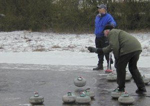 Picture of curling on Drumore Curling Pond 16KB